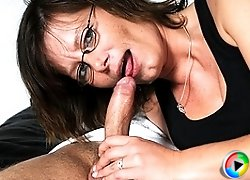 Horny mature slut fucking a younger dude for fun