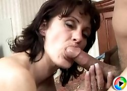 this granny loves sucking cock